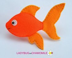 Best 12 Cute miniature GOLDFISH magnet made from colorful felt fabric. This stuffed felt Goldfish is originally designed as a great home decor or adorable gift for your loved ones, educational for kids, fun for all ages. The Goldfish can be made as a ma Hanging Ornaments, Felt Ornaments, Felt Fish, Fish Crafts, Felt Fabric, Felt Christmas, Xmas, Felt Toys, Felt Animals