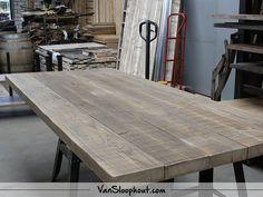 Oude balken blad in bruintinten. #reclaimed #wood #oudebalken #tafelblad #meubels #wonen #wooninspiratie #interieur