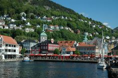 Summer in Bergen, Norway. Photo: Marius Fiksdal / bestnorwegian.com
