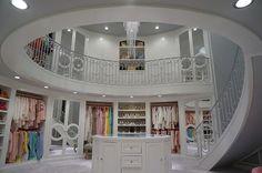 Vestidor de dos pisos con escalera