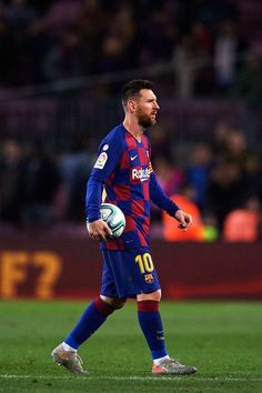 Lionel Messi of FC Barcelona leaves the pitch with the matchball after scoring a hat-trick during the La Liga match between FC Barcelona and RC Celta de Vigo at Camp Nou stadium on November 2019 in Barcelona, Spain. Fc Barcelona, Lionel Messi Barcelona, Barcelona Soccer, Messi Vs Ronaldo, Messi 10, Lionel Messi Wallpapers, Messi Photos, Messi Soccer, Uefa Champions