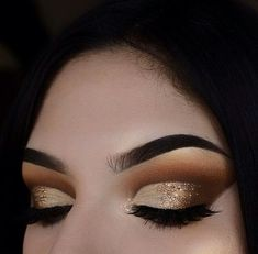 Eye Makeup Tips.Smokey Eye Makeup Tips - For a Catchy and Impressive Look Dramatic Wedding Makeup, Dramatic Eye Makeup, Dramatic Eyes, Eye Makeup Tips, Smokey Eye Makeup, Makeup For Brown Eyes, Makeup Ideas, Makeup Kit, Matte Eyeshadow Palette