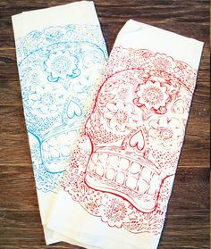 Set of 2 Towels - DAY Of The DEAD - Multi-Purpose Flour Sack Bar Towels - Renewable Natural Cotton