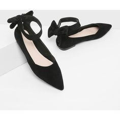Bow Decorated Pointed Toe Flats (40 CAD) ❤ liked on Polyvore featuring shoes, flats, black, ballerina flats, black bow flats, bow ballet flats, black ballet flats and black ballet shoes