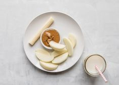 10 Toddler Breakfast Ideas - a photo of multiple apple slices with an apple slice dipping in almond butter and a cheese stick on a white plate and white background - click photo for full written recipes Healthy Toddler Breakfast, Picky Toddler Meals, Breakfast Bake, Breakfast For Kids, Kids Meals, Breakfast Ideas, Toddler Menu, Baby Food Recipes, Snack Recipes