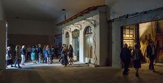 """Εγκαινιάστηκε το ελληνικό περίπτερο της 56ης Μπιενάλε της Βενετίας με τα """"Αγριμικά"""" της Μαρίας Παπαδημητρίου, λίγο πριν τα επίσημα εγκαίνια της διάσημης εκθέσης σύγχρονης τέχνης στις 9 Μαΐου."""