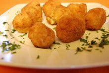 Ατελείωτες συνταγές μαγειρικής Cauliflower, Muffin, Potatoes, Vegetables, Breakfast, Ethnic Recipes, Food, Breakfast Cafe, Muffins