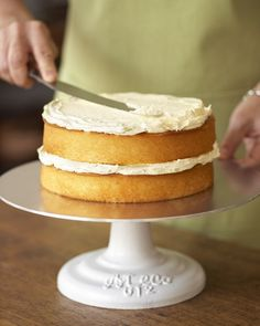 This Cake Stand, Williams Sonoma is a good for your dessert made with wholesome ingredients! Cake Recipes, Dessert Recipes, Desserts, Dinner Recipes, Salty Cake, Almond Cookies, Cake Decorating Tools, Cake Tutorial, Sweets