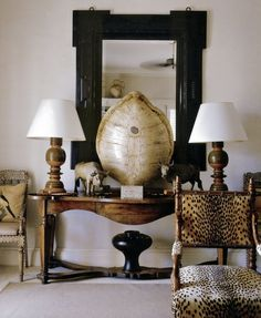 British Colonial Style - Design Chic - love this bar the tortoise shell :( Decoration Inspiration, Interior Inspiration, Interior Ideas, Classic Decor, Estilo Colonial, West Indies Style, British Colonial Decor, Masculine Interior, Console Table