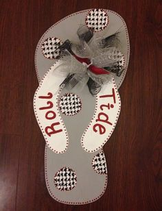 Summer door hangerFlip flop door hanger by Furnitureflipalabama, $40.00