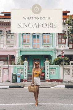 china travel guide Singapore boasts a blend of Malaysian, Indian, Chinese, Arab and English cultures. Here's my ultimate Singapore travel guide! China Travel Guide, World Travel Guide, Europe Travel Guide, Asia Travel, Solo Travel, Travel Destinations, Singapore Things To Do, Singapore Travel Tips, Singapore Food
