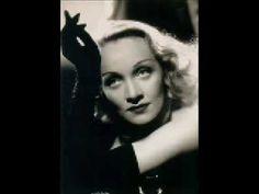 Marlene Dietrich - Bitte geh nicht fort (German version of Brel's Ne me quitte pas)    Bitte geh nicht fort!  Was ich auch getan,  was ich auch gesagt,  glaube nicht ein Wort!    Denk nicht mehr daran!  Oft sagt man im Streit  Worte, die man dann  später tief bereut.    Dabei wollt mein Herz  ganz dein eigen sein,  denn ich liebe dich,  lieb nur...