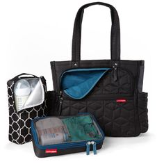 Skip Hop Forma Pack & Go Diaper Bag Tote - The highly designed Skip Hop Forna Pack & Go Diaper Tote bag comes loaded with two packing cube Black Diaper Bag, Boy Diaper Bags, Nappy Bags, Couture Bb, Changing Bag, Wholesale Bags, Baby Items, Tote Bag, Packing Cubes