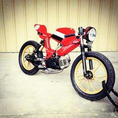 Small Motorcycles, Mini Bike, Custom Bikes, Café Racers, Bike Ideas, Scrambler, Cool Stuff, Vehicles, Bee