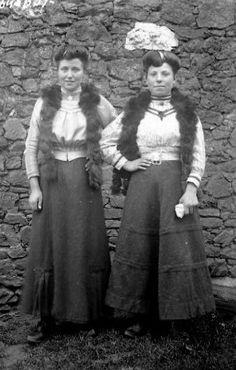 Femmes endimanchées, J.B Boudeau, vers 1913- Bfm Limoges ; http://boudeau.bm-limoges.fr/