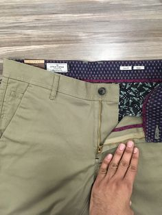 Men trouser detail casual citrus chinos Men Trousers, Mens Trousers Casual, Trouser Pants, Slacks, Twill Pants, Cotton Pants, Denim Jeans Men, Golfers, Shorts