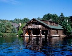LOG BOAT HOUSE on Lake Placid, NY  https://mapleisland.com/gallery/special_projects/galleryId=27/fileId=739/