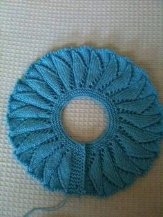 Shawl, no pattern This Pin was discovered by Tel Yoke of Leaf Lace Baby Sweater. Öegü Örgü [] # &l Baby dress with a wonderful collar pattern Baby Hats Knitting, Knitting For Kids, Easy Knitting, Baby Knitting Patterns, Knitting Stitches, Baby Patterns, Knitted Hats, Crochet Patterns, Shawl Patterns