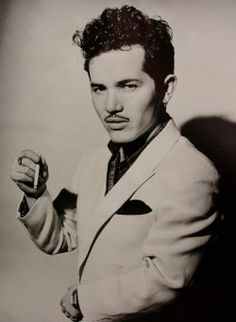 John Leguizamo in The American Place Theatre's 1990 premiere of Mambo Mouth.
