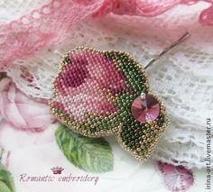 заколка-невидимка `бутон`. Нежный бутон розы вышит мелким японским бисером.Романтичный и очень женственный…