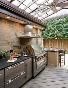 Outdoor Kitchen Ideas - Obtain our best suggestions for outside kitchens, including captivating outdoor kitchen area decoration, backyard enhancing suggestions, and images of outdoor cooking areas. Summer Kitchen, Outdoor Kitchen Appliances, Covered Outdoor Kitchens, Kitchen Plans, Kitchen Style, Outdoor Design, Outdoor Kitchen, Outdoor Kitchen Countertops, Kitchen Design