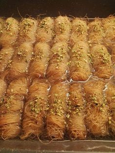Greek Sweets, Greek Desserts, Greek Recipes, Vegan Recipes, Greek Pastries, Sweets Cake, Photo Instagram, No Bake Cake, Food Videos