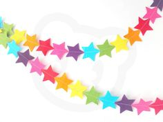 Perfect for decorating a childs bedroom or playroom to add a splash of colour to white walls. Or great for parties and celebrations!  This garland is 2 m (6.5 ft) long with extra white ribbon at each end to tie it up with. All stars are cut from rainbow shades of wool blend felt and are 6cm across.  I have other garlands also available, in different sizes, shapes and colours! Please see my other listings. If you would like this garland in different colours or length send me a message and I…