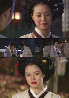 이거 어쩌면 이런식의 전개도 예측 가능하지 않아 by Jamja http://gall.dcinside.com/board/view/?id=hwawon&no=64600&page=14378