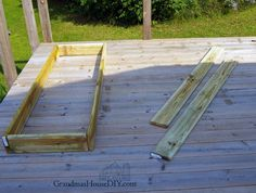 How I built simple outdoor sun loungers with changeable back rests for our deck. Way, way, WAAAAY back I was a little girl who spent the majority of every summe… Outdoor Wood Projects, Outdoor Lounge Furniture, Outdoor Decor, Pool Furniture, Furniture Direct, Backyard Projects, Furniture Stores, Pallet Furniture, Outdoor Chairs