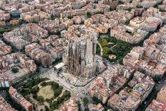 """La Sagrada Família sur Twitter : """"Son cinco las generaciones que han visto la evolución del templo en Barcelona.… """""""