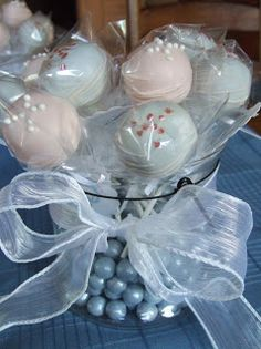 I made these for the centerpieces of a little girl's First Holy Communion party. They were white raspberry & chocolate raspberry cake. First Holy Communion Cake, First Communion Favors, Première Communion, Communion Cakes, Communion Centerpieces, First Communion Decorations, Diy Party Decorations, Party Themes, Party Ideas