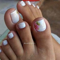 17 Ideas french pedicure designs toenails pretty toes for 2019 Pedicure Nail Art, Pedicure Colors, White Pedicure, Flower Pedicure, Manicure Ideas, French Pedicure Designs, Toe Nail Designs, French Tip Pedicure, Summer Pedicure Designs