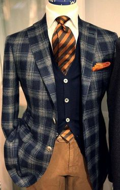 Autumn look: Awesome plaid sport coat with striped tie Sharp Dressed Man, Well Dressed Men, Mens Fashion Suits, Mens Suits, Fashion Menswear, Mode Mantel, Herren Outfit, Mode Masculine, Suit And Tie