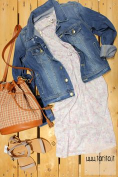 Tarita look 08. Jeans jacket, Hoss intropia + printed cotton dress, Sessùn + taupe sandals, Hoss Intropia + criss-cross bag, Sessùn.