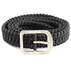 How to Make A Paracord Belt  Instructions Theseparacord belt instructions andeasy to follow instructions showyou how to make a DIY paracord rescue belt, my favorite of all the paracord belts I tried. Paracord bracelets can come in handy but only have 8-12 feet of rope, while a paracord belt can have up