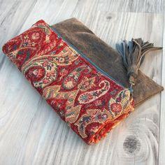Bolsa de rollo alfombra en rojo y azul con Base de cuero Vegan