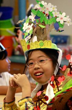 Vocabulary hat parade shows fourth-graders' creativity - Columbia Missourian Vocabulary Parade, Science Vocabulary, Vocabulary Words, Vocabulary Ideas, School Spirit Days, Hat Day, Healthy Kids, School Projects, St Patricks Day