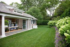 Edmund Hollander Landscape Architects | Village Classic