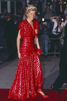 lady-diana-of-wales: Spam: Princess Diana Jewelry The Spencer Tiara Princess Diana Birthday, Princess Diana Family, Royal Princess, Princess Of Wales, Princess Diana Jewelry, Princess Diana Dresses, Princess Diana Fashion, Lady Diana Spencer, Style Royal