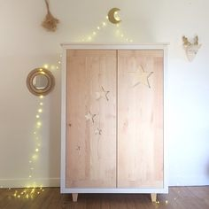 L'armoire Etoiles Crème anglaise. Kids Bedroom, Decor, Wood, Armoire, Kids Furniture, Furniture, Baby Cribs, Home Decor, Deco