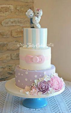 ♥ Hello Kitty Wedding Cake