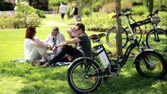 pique-nique en vélo électrique pliant VEPLI avec le modèle Folky