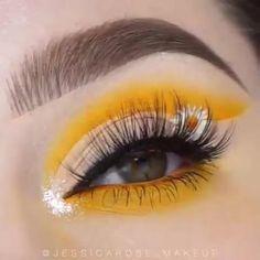 Maquillage Yeux Cut Crease, Maquillage On Fleek, Eye Makeup Designs, Eye Makeup Art, Buy Makeup, Disney Eye Makeup, Makeup Geek, Yellow Eye Makeup, Colorful Eye Makeup