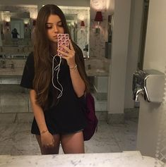 I want the hair. Photos Tumblr, Girl Pictures, Girl Photos, Tumbrl Girls, Girl Fashion, Fashion Outfits, Selfie Poses, Foto Pose, Instagram Girls