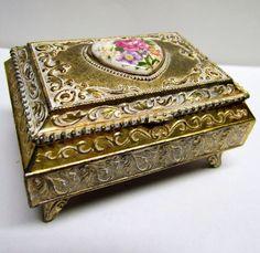 Vintage Trinket Box / Keepsake Box, With Hinged Lid by VINTAGEandMOREshop on Etsy https://www.etsy.com/listing/228325503/vintage-trinket-box-keepsake-box-with