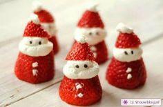 Kerstmannetjes van aardbeien