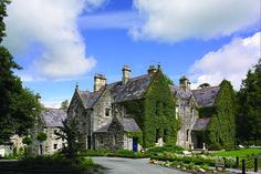 5 Dream Venues to Visit in 2016 | Castle Leslie Glaslough Ireland | Venuelust