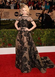 Pin for Later: All the Sexy, Stunning SAG Looks You Don't Want to Miss Rachel McAdams Wearing an Elie Saab gown, Brian Atwood heels, Harry Kotlar diamond earrings and rings, and a Le Vian diamond ring.