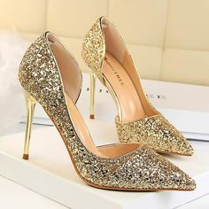 manolo blahnik heels dry and cracked Women's Shoes, Shoes 2018, Me Too Shoes, Buy Shoes, Golf Shoes, Dance Shoes, Wedding Boots, Wedding Shoes Heels, Bride Shoes