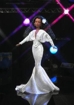 """2004 """"Diana Ross"""" ou comment Barbie s'adapte toujours à l'actu et aux tendances de la société moderne ©Mattel B2017"""